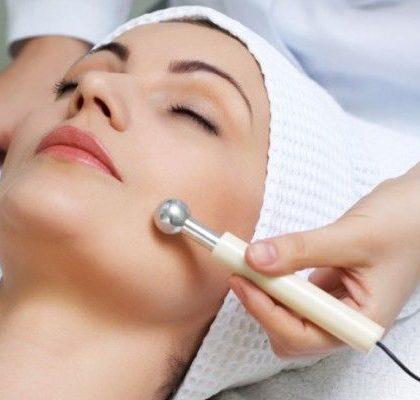 Corrente galvanica sulla pelle: Cosa fa e quali sono i migliori macchinari?